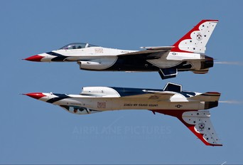 92-3890 - USA - Air Force : Thunderbirds General Dynamics F-16C Fighting Falcon