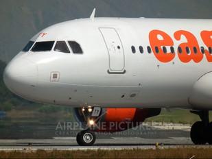 G-EZTY - easyJet Airbus A320