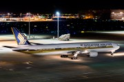 9V-SYJ - Singapore Airlines Boeing 777-300 aircraft