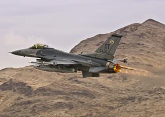 88-0420 - USA - Air Force General Dynamics F-16CG Night Falcon