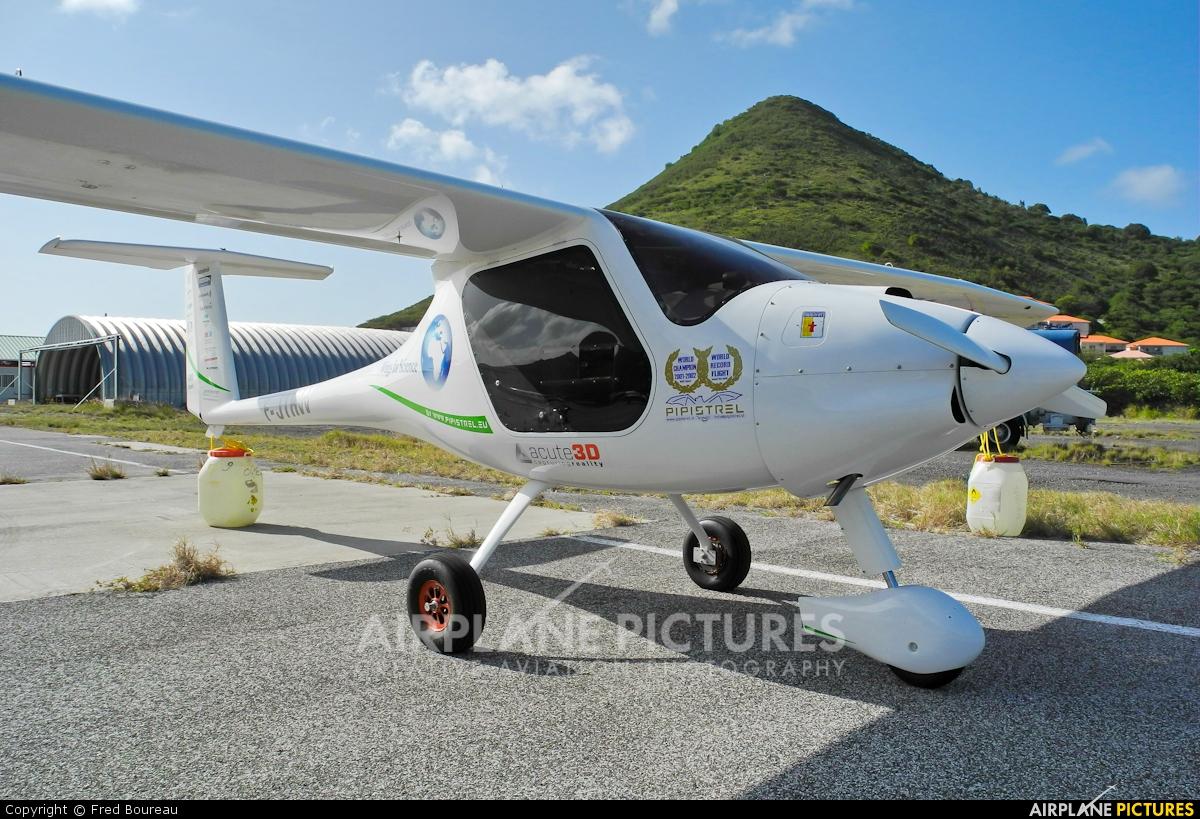 Private F-JTRW aircraft at Saint Martin - L