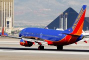 N946WN - Southwest Airlines Boeing 737-700 aircraft