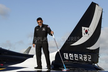 10-0054 - Korea (South) - Air Force: Black Eagles Korean Aerospace T-50 Golden Eagle