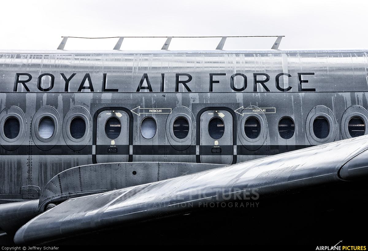 Royal Air Force XV102 aircraft at Gilze-Rijen