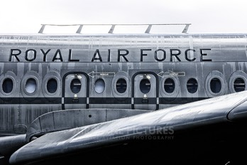 XV102 - Royal Air Force Vickers VC-10 C.1K