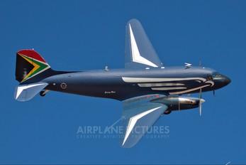 6840 - South Africa - Air Force Douglas C-47TP