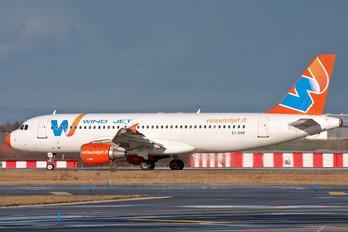 EI-DNP - Windjet Airbus A320