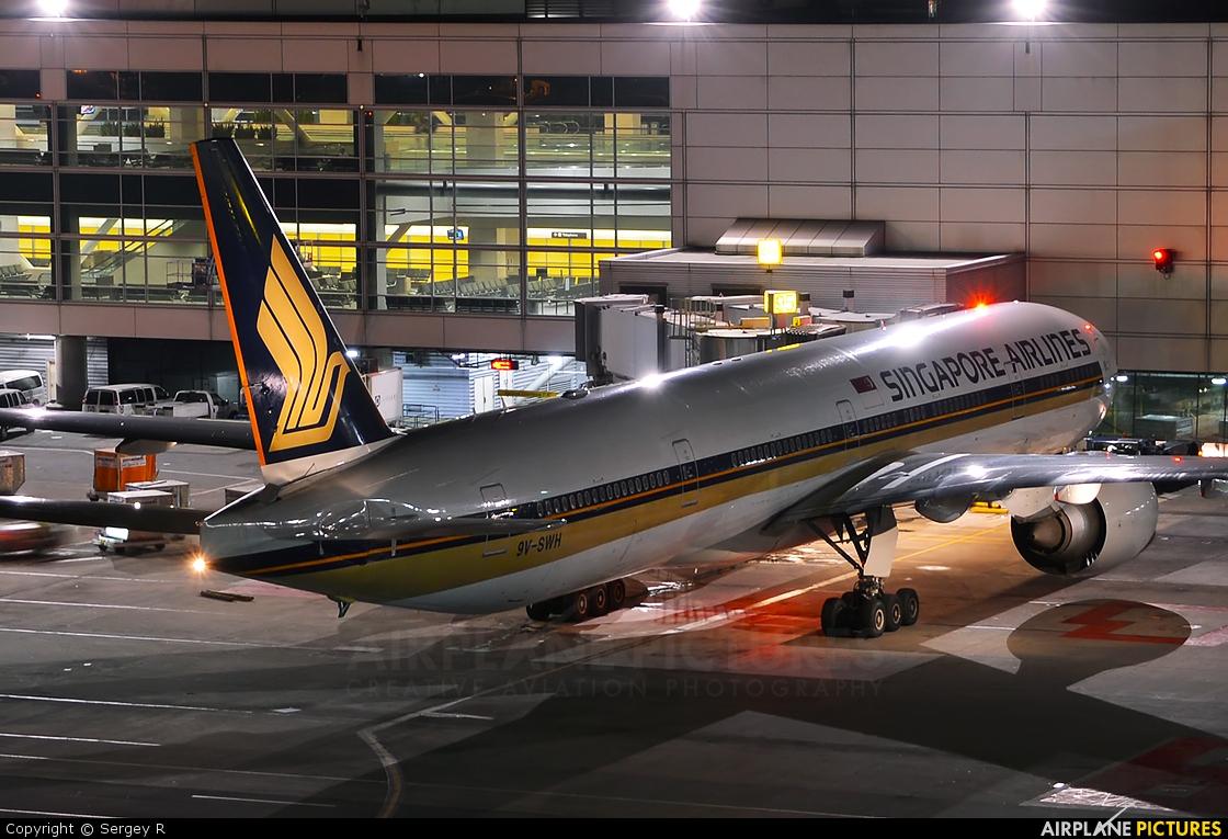 Singapore Airlines 9V-SWH aircraft at San Francisco Intl