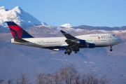 N666US - Delta Air Lines Boeing 747-400 aircraft