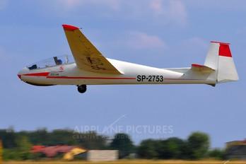 SP-2753 - Aeroklub PLL LOT PZL SZD-9 Bocian