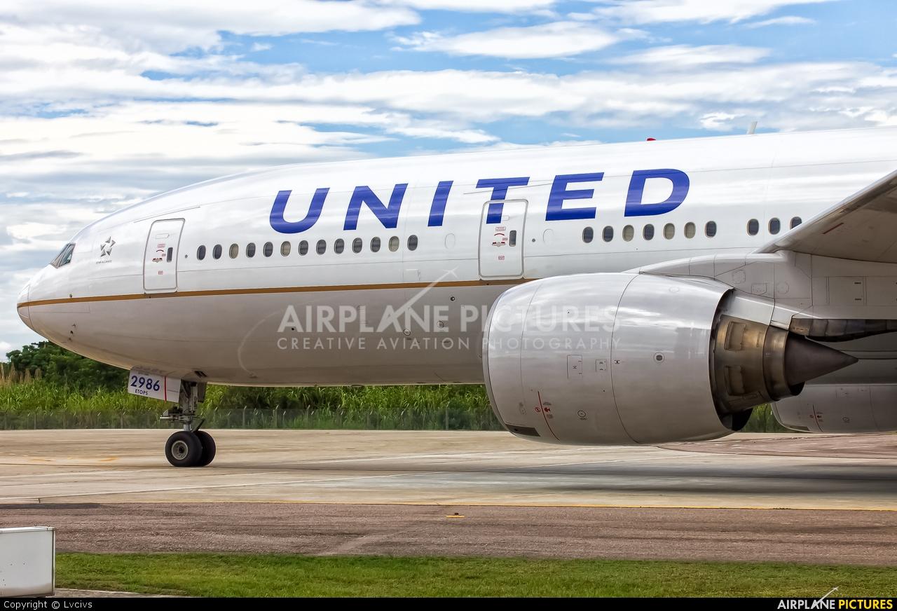 United Airlines N786UA aircraft at Rio de Janeiro/Galeão Intl - Antonio Carlos Jobim