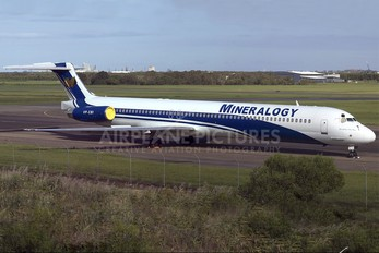 VP-CBI - Mineralogy McDonnell Douglas MD-82