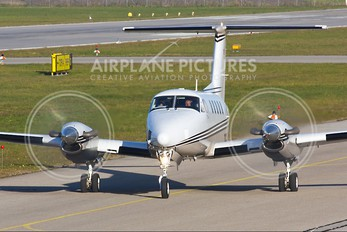 TC-AYK - Private Beechcraft 200 King Air
