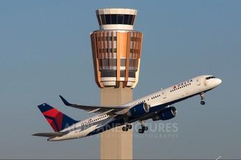 N687DL - Delta Air Lines Boeing 757-200