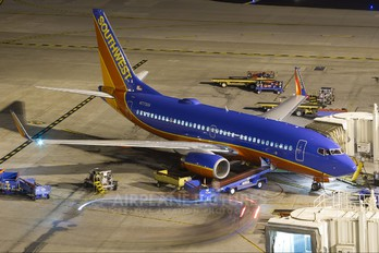 N7730A - Southwest Airlines Boeing 737-700