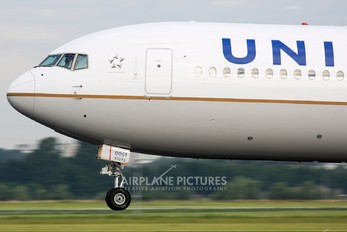 N68061 - United Airlines Boeing 767-400ER