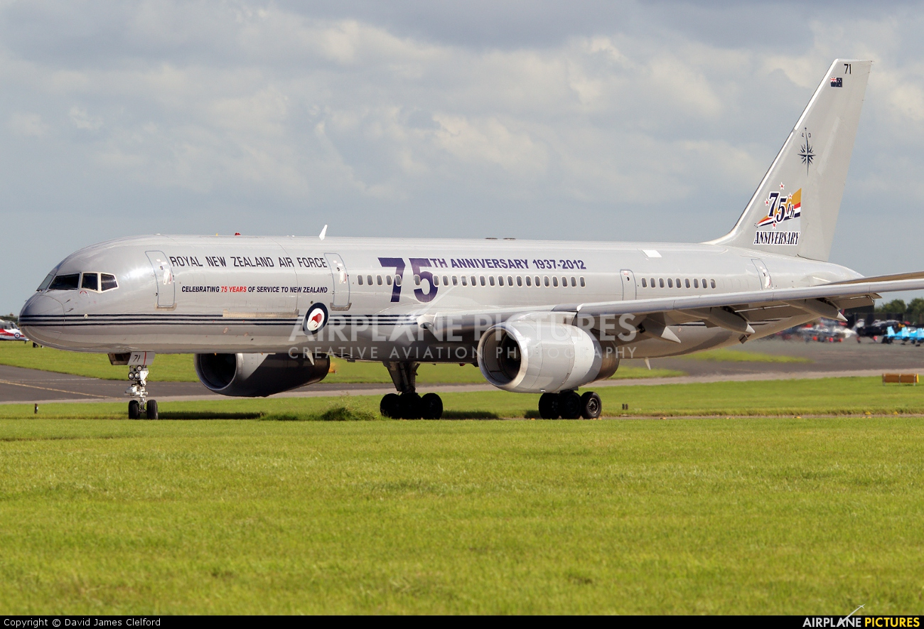 New Zealand - Air Force NZ7571 aircraft at Waddington