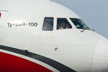 RA-64019 - Red Wings Tupolev Tu-204