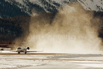 EI-EEZ - Private Canadair CL-600 Challenger 850