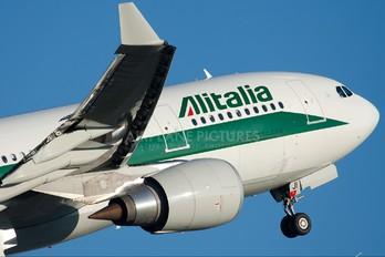 EI-EJI - Alitalia Airbus A330-200