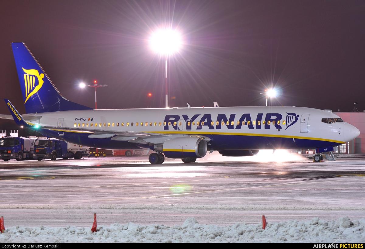 Ryanair EI-ENJ aircraft at Łódź - Lublinek