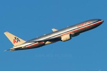 N751AN - American Airlines Boeing 777-200ER