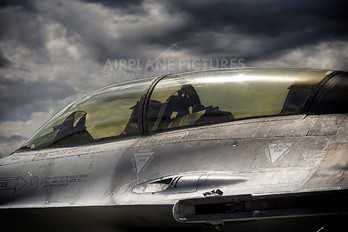88-0151 - USA - Air Force General Dynamics F-16D Fighting Falcon