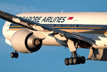9V-SWB - Singapore Airlines Boeing 777-300ER
