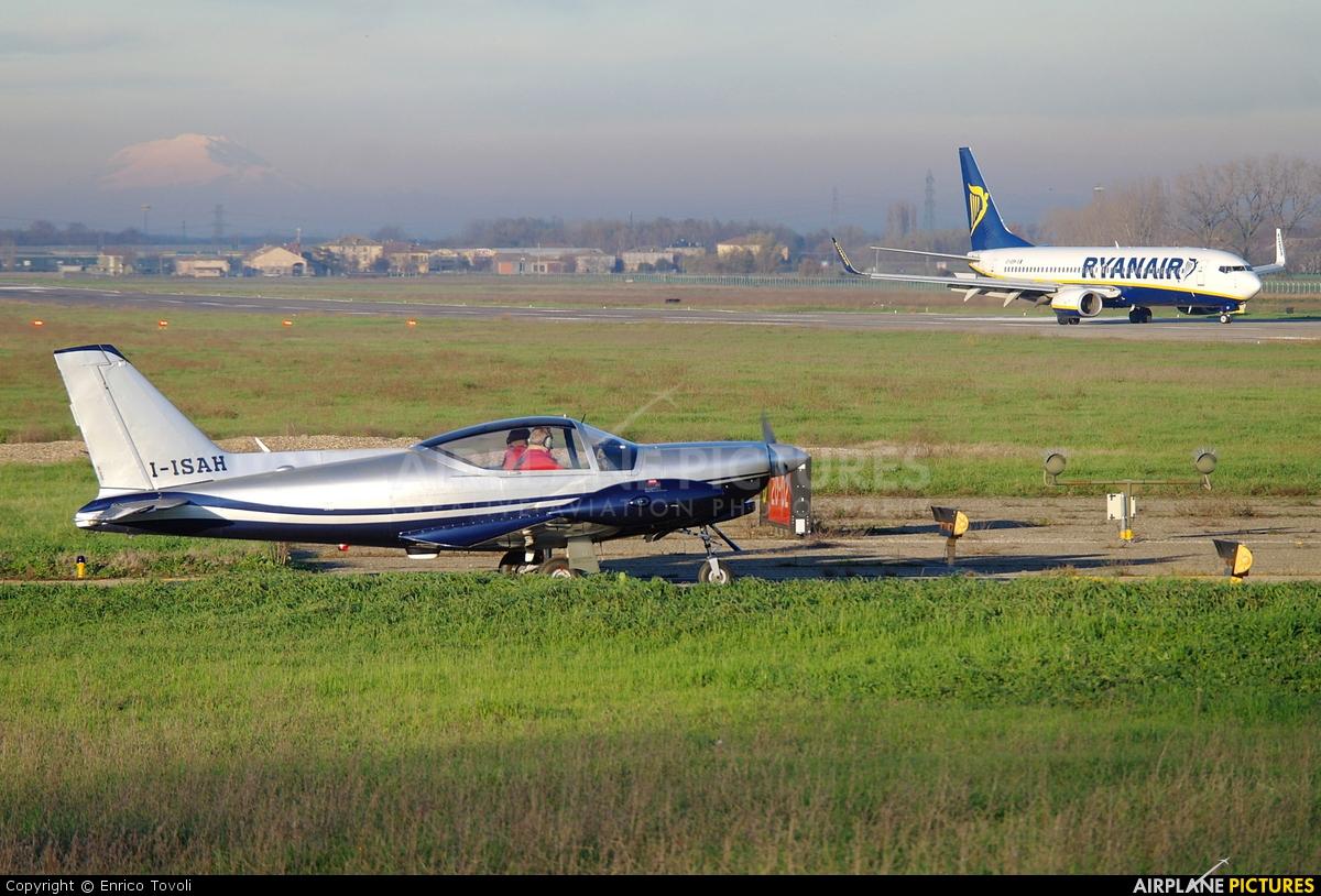 Private I-ISAH aircraft at Parma