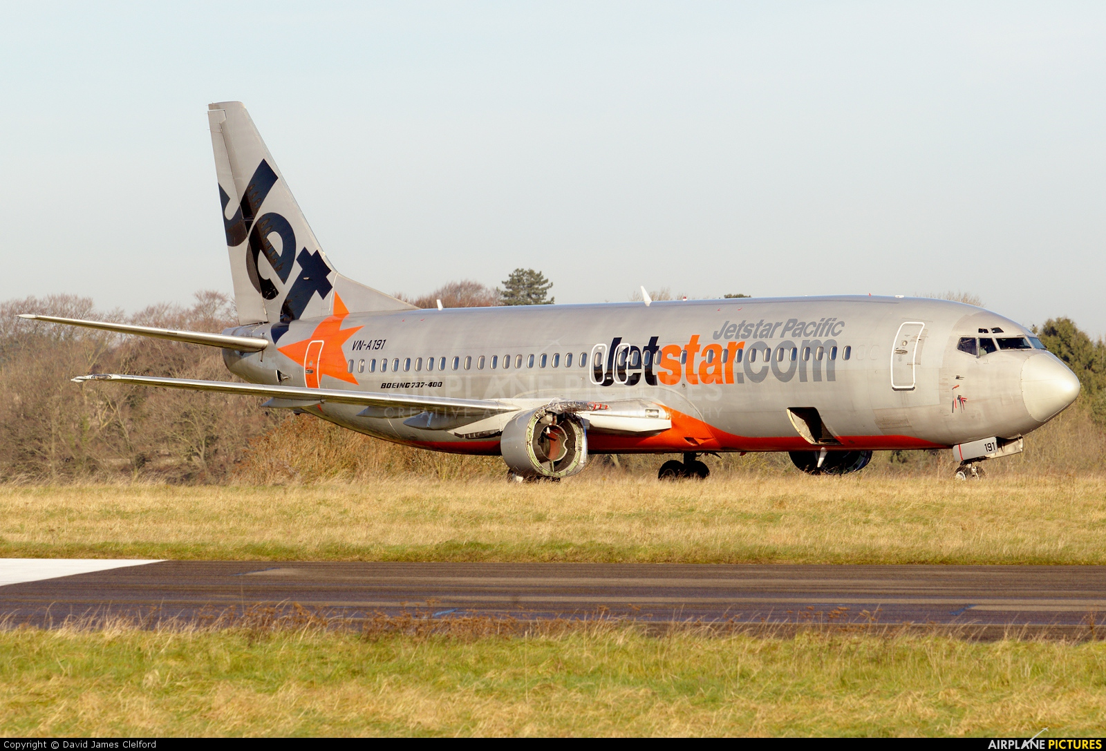 Vn a191 jetstar pacific airlines boeing 737 400 at kemble jetstar pacific airlines boeing 737 400 vn a191 sciox Images