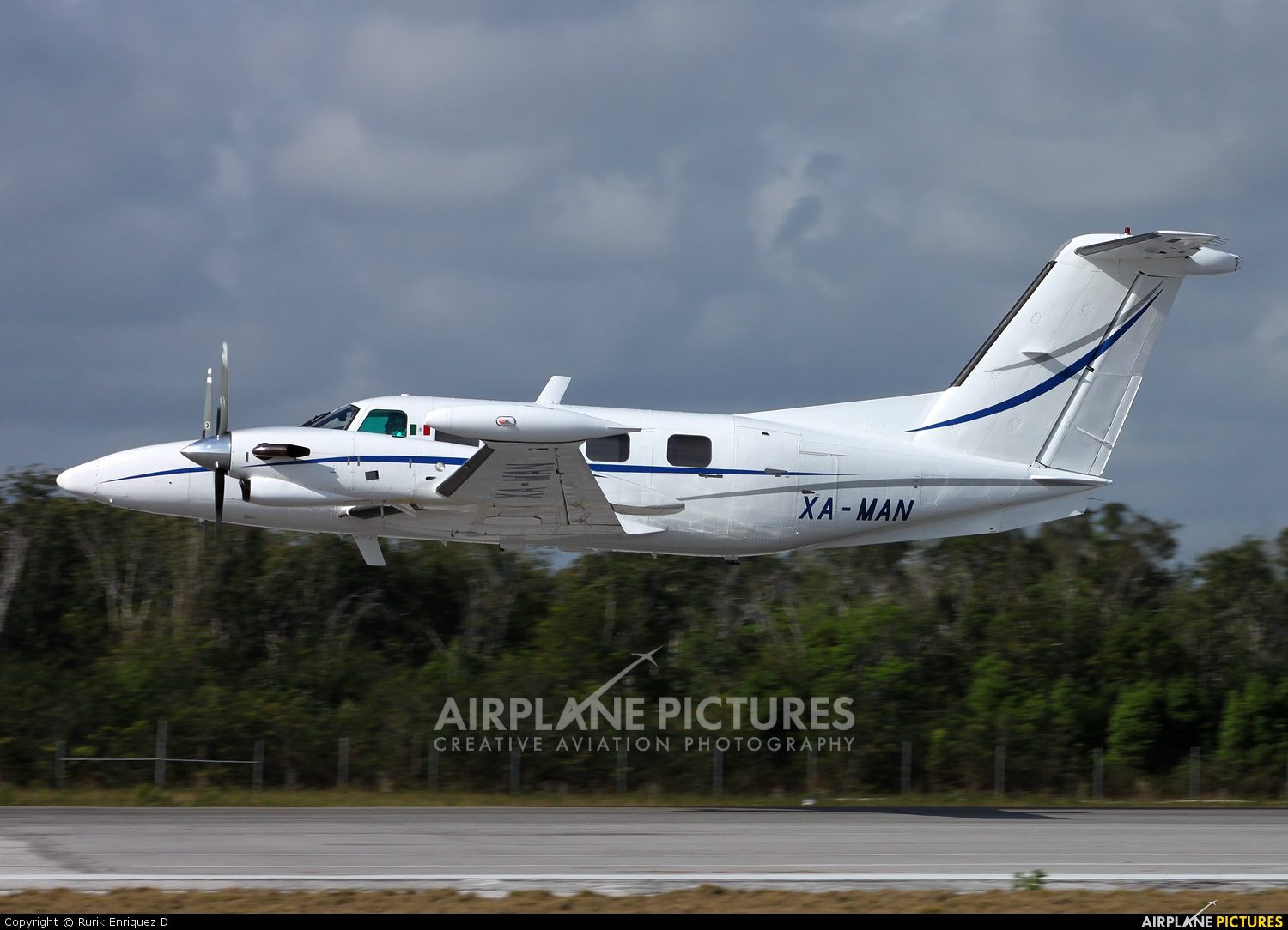 Private XA-MAN aircraft at Cancun Intl