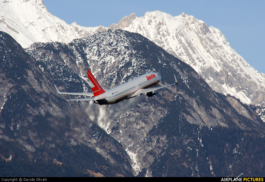 Lauda Air OE-LNK aircraft at Innsbruck