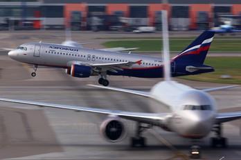 VP-BWH - Aeroflot Airbus A320