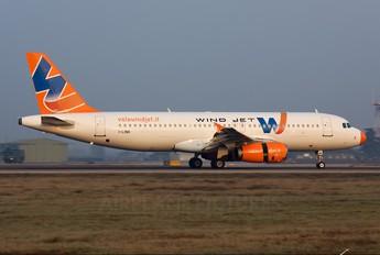 I-LINH - Windjet Airbus A320