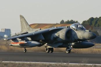 MM7215 - Italy - Navy McDonnell Douglas AV-8B Harrier II