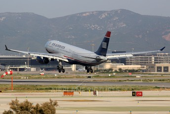 N281AY - US Airways Airbus A330-200