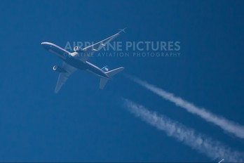 - - United Airlines Boeing 777-200ER