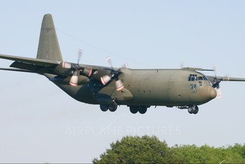 XV290 - Royal Air Force Lockheed Hercules C.3