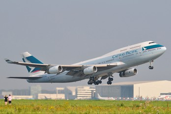 B-HOW - Cathay Pacific Boeing 747-400