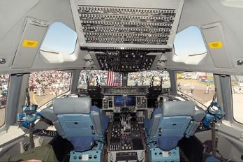 09-9207 - USA - Air Force Boeing C-17A Globemaster III