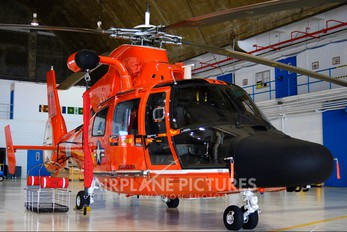 6579 - USA - Coast Guard Aerospatiale MH-65C Dolphin