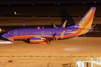 N929WN - Southwest Airlines Boeing 737-700