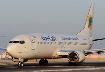 UR-VVL - Aerosvit - Ukrainian Airlines Boeing 737-400