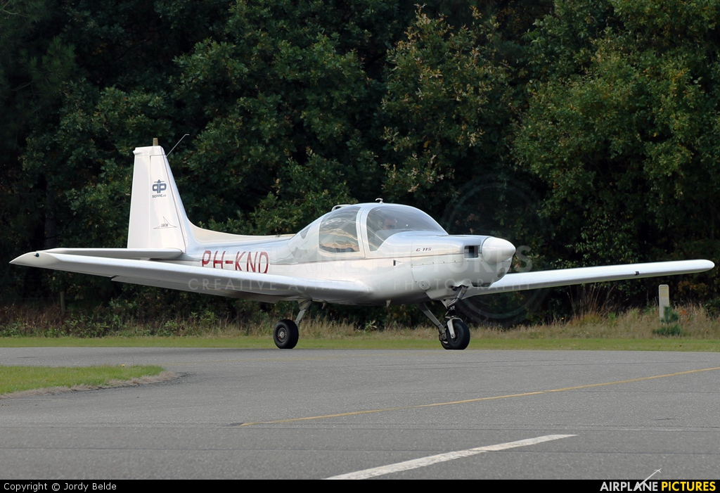 Private PH-KND aircraft at Hoeven - Seppe