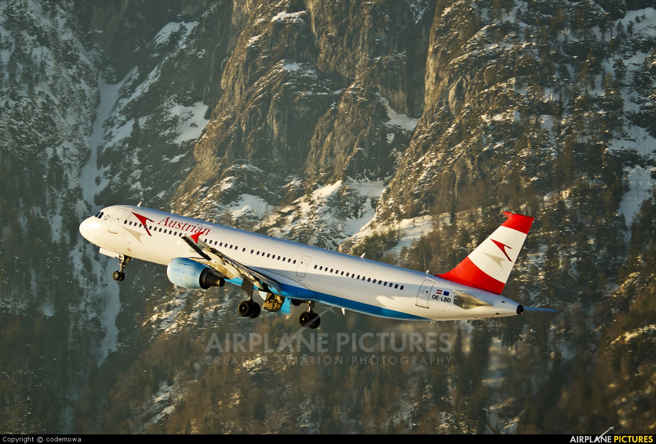 Austrian Airlines/Arrows/Tyrolean OE-LBD aircraft at Innsbruck