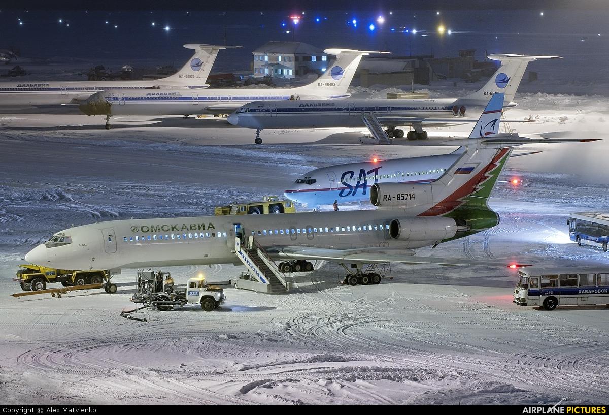 Omskavia RA-85714 aircraft at Khabarovsk Novy