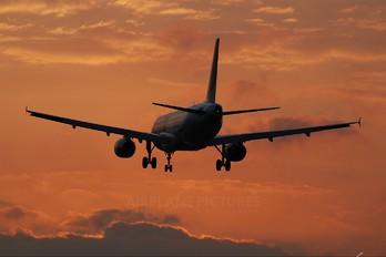 HA-LPI - Wizz Air Airbus A320