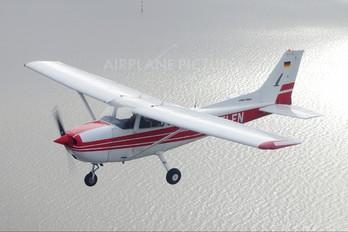 D-ELFN - Sportfluggruppe Nordholz/Cuxhaven Cessna 172 Skyhawk (all models except RG)