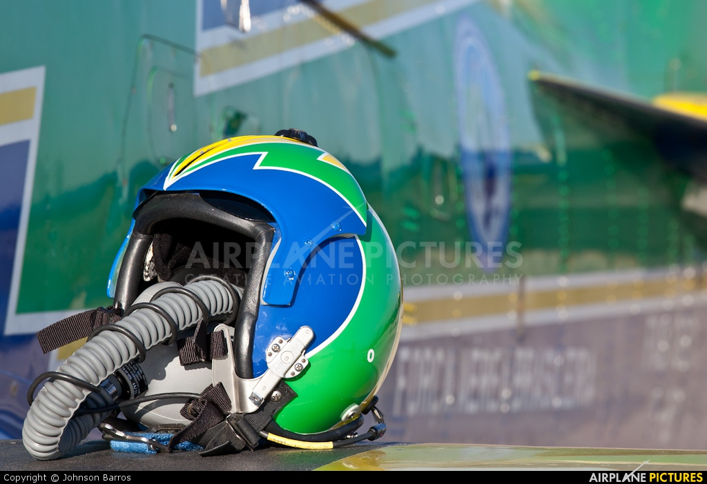 "Brazil - Air Force ""Esquadrilha da Fumaça"" 1381 aircraft at Brasília - Presidente Juscelino Kubitschek Intl"