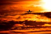 - - KLM Cityhopper Embraer ERJ-190 (190-100) aircraft